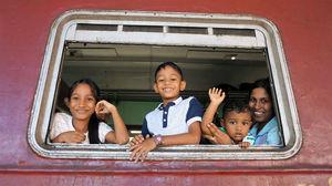 Sri Lanka photo - family train travel